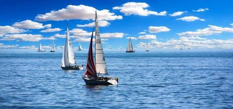 sailing-boat-1593613_1280.jpg